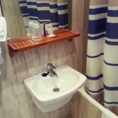 Отель Hostal Avenida Стандартный номер с 2 отдельными кроватями фото 11