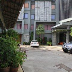 Отель Dinar Lodge пляж Банг-Тао парковка