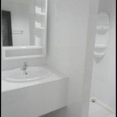 Отель Boomerang Inn 3* Номер Делюкс двуспальная кровать фото 11