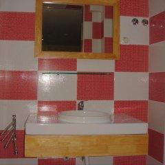 Отель DownTown Guest House 3* Стандартный номер с 2 отдельными кроватями (общая ванная комната) фото 4