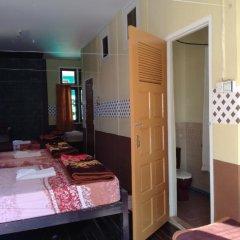 Gold Star Hotel 2* Кровать в общем номере с двухъярусной кроватью фото 3
