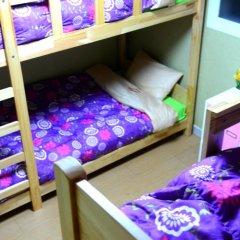 Отель Kimchee Hongdae Guesthouse Кровать в женском общем номере с двухъярусной кроватью фото 4