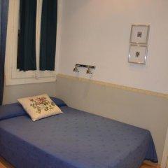 Отель Hostal Center Inn 2* Номер категории Эконом с различными типами кроватей фото 2