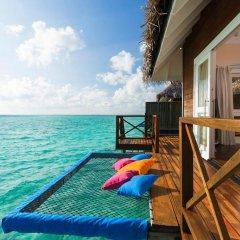 Отель Sun Aqua Vilu Reef 5* Вилла с различными типами кроватей фото 4