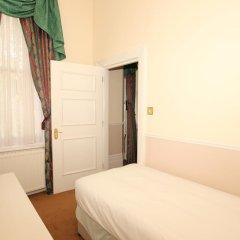 The Courtlands Hotel 3* Стандартный семейный номер с двуспальной кроватью фото 4