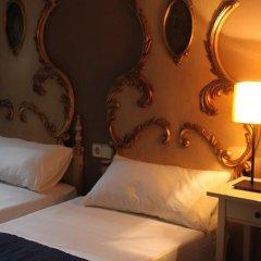 Отель Hostal LK Стандартный номер с двуспальной кроватью фото 10