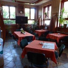 Отель Motel Comet Польша, Кобыльница - отзывы, цены и фото номеров - забронировать отель Motel Comet онлайн интерьер отеля