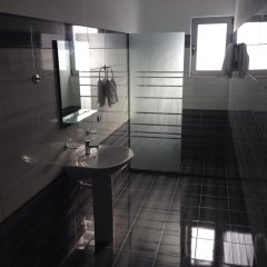 Апартаменты Apartments Serxhio Люкс с различными типами кроватей фото 18