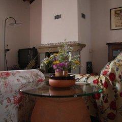 Отель La Tuia Vacanze Италия, Монтеварчи - отзывы, цены и фото номеров - забронировать отель La Tuia Vacanze онлайн интерьер отеля