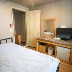 Beewon Guest House - Hostel Стандартный номер с двуспальной кроватью фото 7