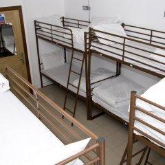 Отель Restup London Кровать в общем номере фото 3
