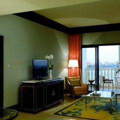 Отель The Ritz-Carlton Abu Dhabi, Grand Canal 5* Представительский люкс с различными типами кроватей фото 7