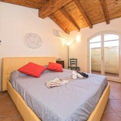 Отель Borgo Del Torchio B1 Манерба-дель-Гарда комната для гостей фото 5
