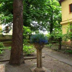 Апартаменты Romantic Garden Art Studio near Andrassy Avenue фото 2