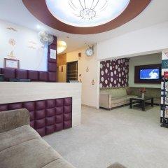 Отель Apra International Индия, Нью-Дели - отзывы, цены и фото номеров - забронировать отель Apra International онлайн интерьер отеля фото 2
