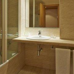 Отель NH Porta Barcelona 3* Стандартный номер с различными типами кроватей фото 4
