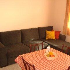 Отель Apartamentos São João комната для гостей