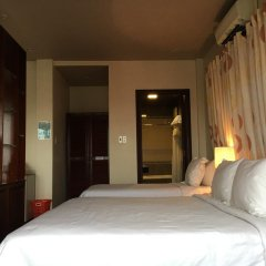 Victory Hotel Hue 3* Стандартный семейный номер с двуспальной кроватью фото 2