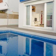 Отель Villa Almadraba Испания, Кониль-де-ла-Фронтера - отзывы, цены и фото номеров - забронировать отель Villa Almadraba онлайн бассейн фото 2
