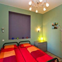 Хостел City 812 Стандартный номер с 2 отдельными кроватями (общая ванная комната)