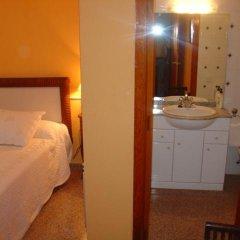 Отель Hostal Restaurante Arasa Стандартный номер с различными типами кроватей фото 10