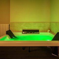 Отель Hostal La Lonja Номер Делюкс с различными типами кроватей фото 5