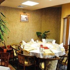 Отель Fisherman's Hut Family Hotel Болгария, Чепеларе - отзывы, цены и фото номеров - забронировать отель Fisherman's Hut Family Hotel онлайн питание