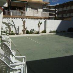 Отель Bungalows Pescador Испания, Калафель - отзывы, цены и фото номеров - забронировать отель Bungalows Pescador онлайн спортивное сооружение