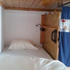 Отель Guest House Host O Morro Кровать в мужском общем номере с двухъярусными кроватями фото 17