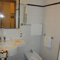 Hotel Lombardi 2* Стандартный номер с двуспальной кроватью фото 13