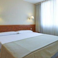 Отель Hesperia Sant Joan Suites 3* Стандартный семейный номер с различными типами кроватей фото 5