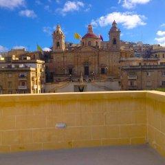 Отель Concetta Host House Мальта, Гранд-Харбор - отзывы, цены и фото номеров - забронировать отель Concetta Host House онлайн балкон