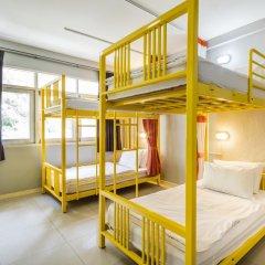 Отель @Hua Lamphong 2* Кровать в общем номере с двухъярусной кроватью