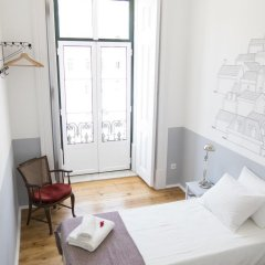 Отель Lisbon Check-In Guesthouse 3* Стандартный номер с двуспальной кроватью (общая ванная комната) фото 12