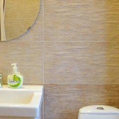Гостиница on Mira - Kutuzova в Калининграде отзывы, цены и фото номеров - забронировать гостиницу on Mira - Kutuzova онлайн Калининград ванная фото 2
