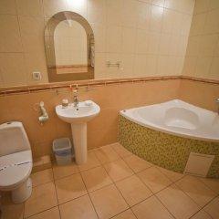 Гостиница Sani Украина, Трускавец - отзывы, цены и фото номеров - забронировать гостиницу Sani онлайн ванная фото 2