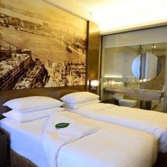 Отель Harbour Grand Hong Kong 4* Улучшенный номер с различными типами кроватей фото 4