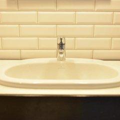 Five Point Hostel ванная
