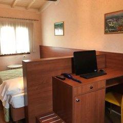 Hostel Archi Rossi Стандартный номер с 2 отдельными кроватями фото 4
