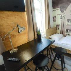 Elewator Gdansk Hostel Кровать в общем номере с двухъярусной кроватью фото 8