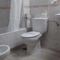 Отель Hostal San Roque Стандартный номер с двуспальной кроватью фото 10