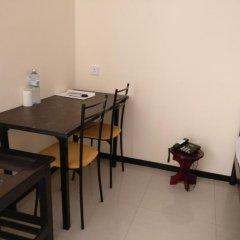 Отель Jayasinghe Holiday Resort удобства в номере