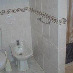 Отель Apartamentos Leziria Португалия, Виламура - отзывы, цены и фото номеров - забронировать отель Apartamentos Leziria онлайн ванная фото 2