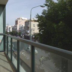 Gordon Inn & Suites Израиль, Тель-Авив - 6 отзывов об отеле, цены и фото номеров - забронировать отель Gordon Inn & Suites онлайн балкон