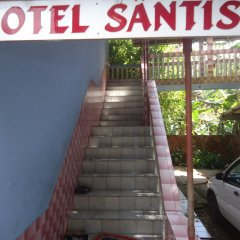 Hotel Santis парковка