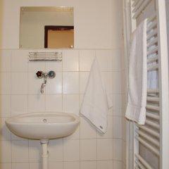 Hotel Inturprag 3* Номер с общей ванной комнатой с различными типами кроватей (общая ванная комната) фото 5