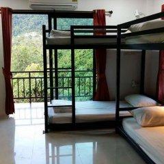 M Hostel Lanta Кровать в общем номере с двухъярусной кроватью фото 3