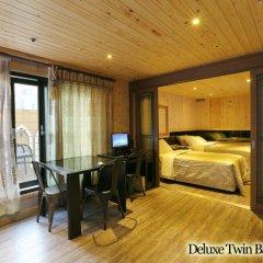 Film 37.2 Hotel 3* Номер Делюкс с 2 отдельными кроватями