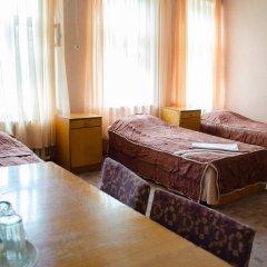 Economy Hotel Elbrus Кровать в общем номере с двухъярусной кроватью
