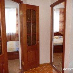 Гостиница Азалия Стандартный семейный номер с двуспальной кроватью